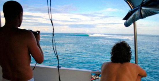 Boat trip and Mentawai surf charters to boost your adventure