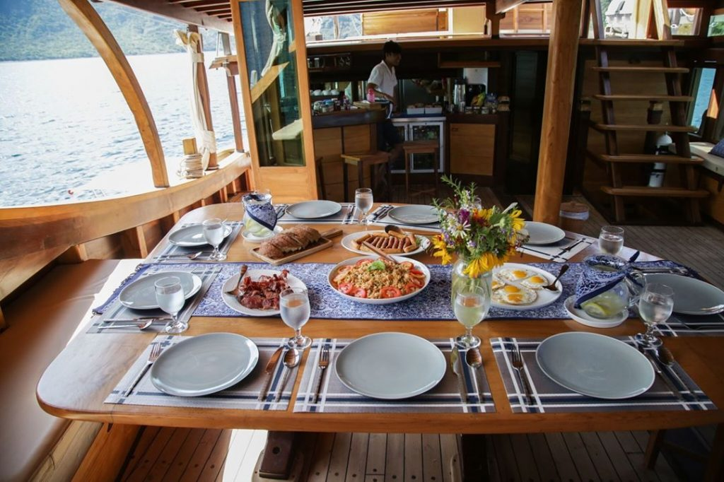 Introducing Our Komodo Luxury Liveaboard to Accompany Your Journey: Tanaka