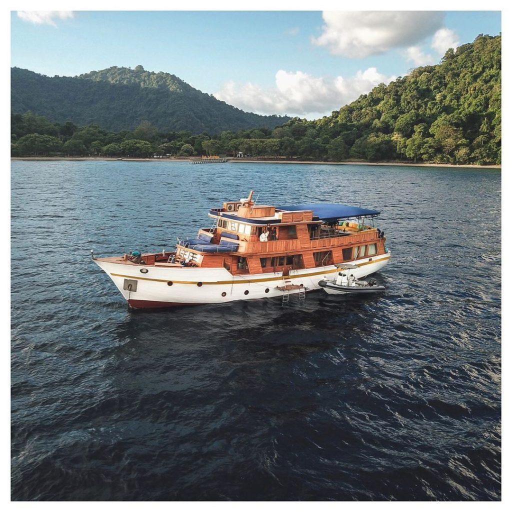 Flores Sea Safari